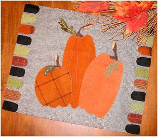 Wool bits pumpkin mat cover